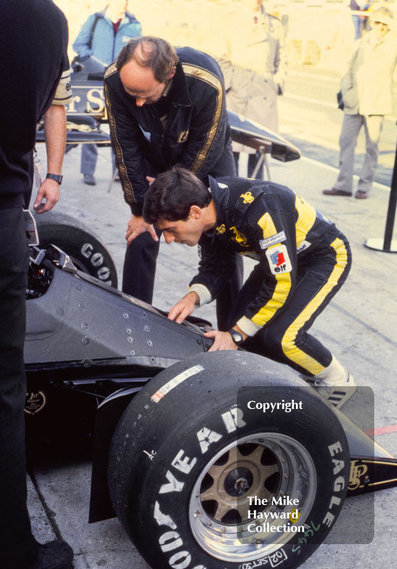 Ayrton Senna, Lotus 97T, in the pits at Brands Hatch, 1985 European Grand Prix.