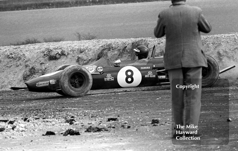 Jochen Rindt, Brabham BT23C, recovers from a spin at the chicane, Thruxton, Easter Monday 1968.