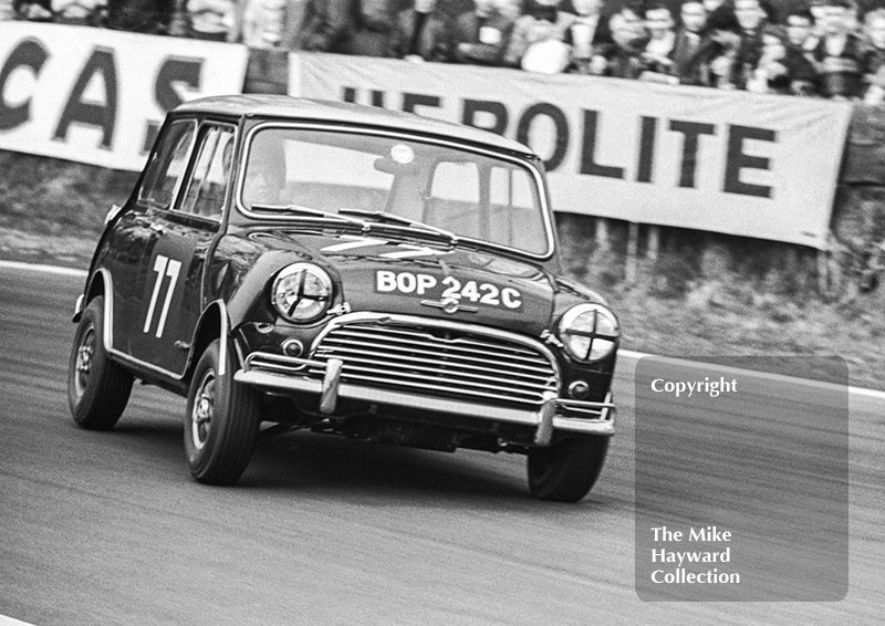 John Fitzpatrick, Broadspeed Mini Cooper S (BOP 242C), Old Hall Corner, Oulton Park Spring Race Meeting, 1965