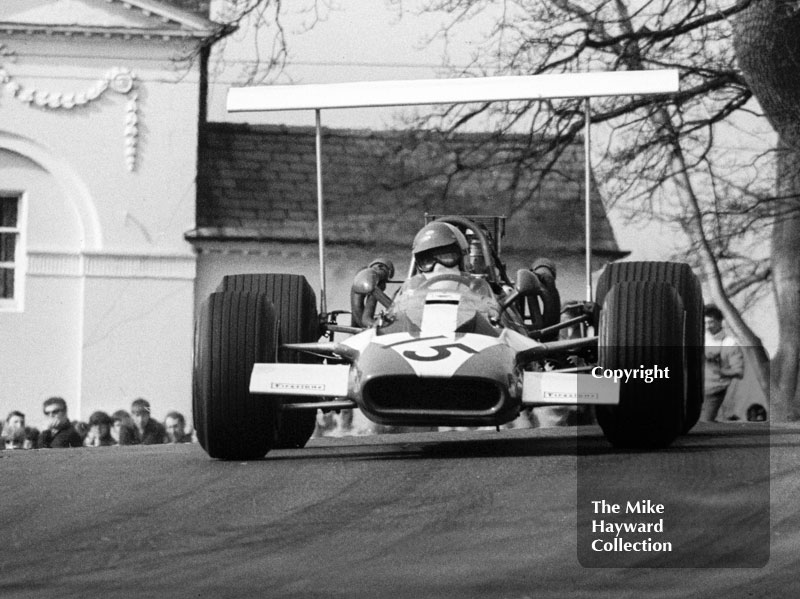 David Hobbs, TS Research and Development Surtees TS5/003 Chevrolet V8 - fastest in practice, 2nd in race - at Lodge Corner, F5000 Guards Trophy, Oulton Park, April 1969.