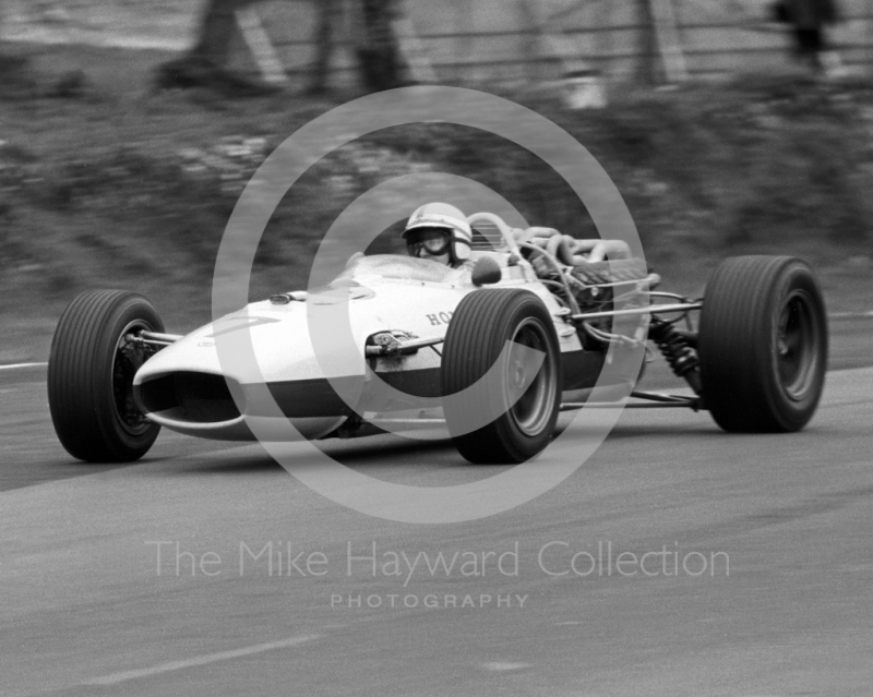 John Surtees, Honda V12 RA273, enters Druids Hairpin, Brands Hatch, Race of Champions 1967.