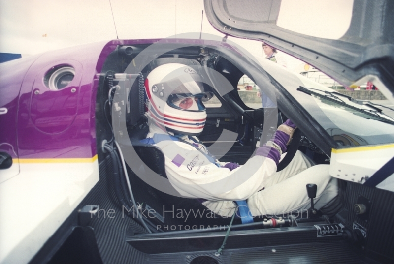 Martin Brundle, Jaguar XJR-11, Shell BDRC Empire Trophy, Round 3 of the World Sports Prototype Championship, Silverstone, 1990.