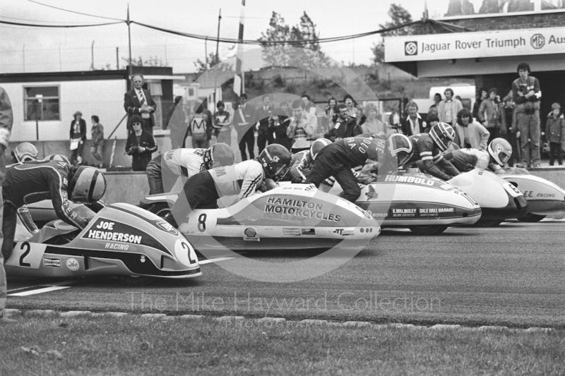 Trevor Ireson, Brian Webb, Mal White, Clive Stirrat, Gordon Nottingham on the front row as sidecars leave the grid at Donington Park 1980.