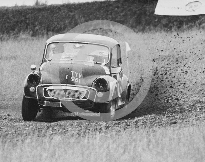 B Morcroft, Morris Minor (reg no TYV 961), Express & Star National Autocross, Pattingham, South Staffordshire, 1968.