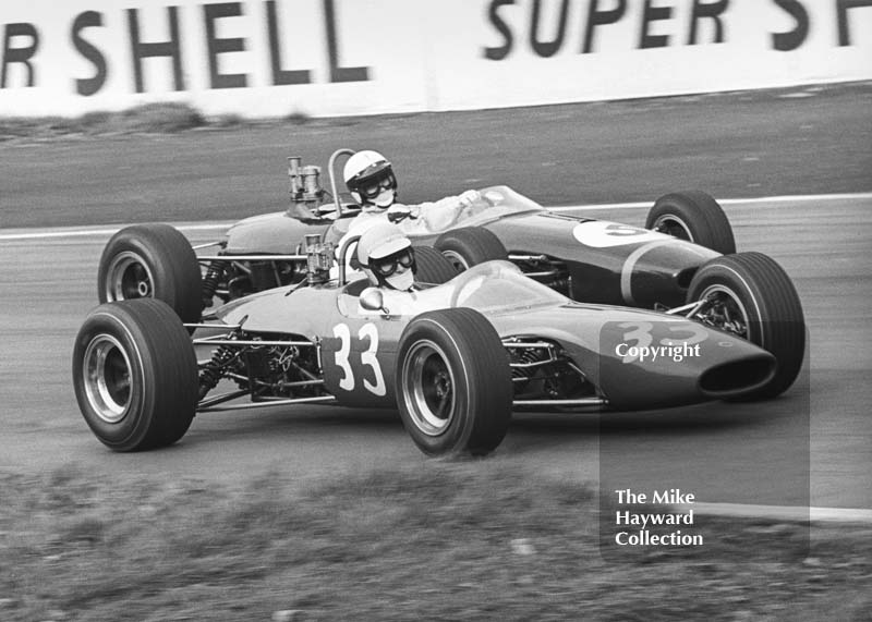 Morris Nunn, Lotus 41, and Peter Gaydon, Special Motor Racing Team Brabham BT18, Oulton Park, BRSCC £1000 1967.