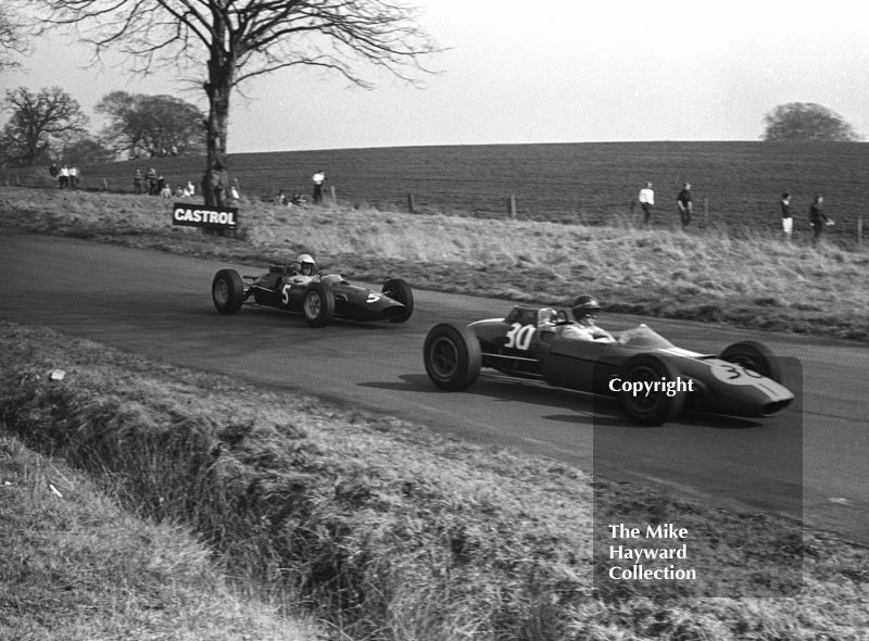 Tony Hegbourne, Willment Lola T55 (SL/64/2) Cosworth, and Peter Revson, Ron Harris Team Lotus 32 (32-F2-4), Oulton Park, Spring International 1965.