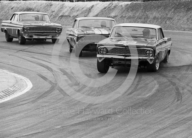 Roy Pierpoint, Brian Muir and David Hobbs, Ford Falcons, Thruxton Easter Monday meeting 1968.