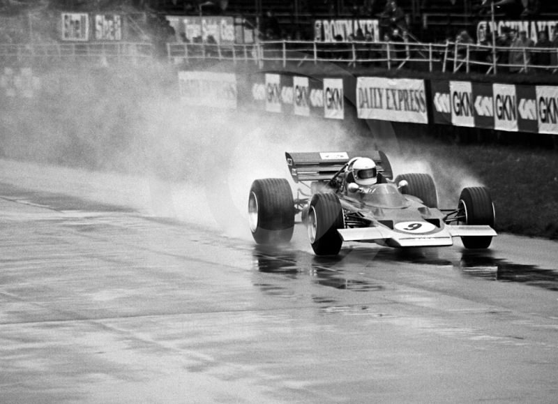 John Miles, Gold Leaf Team Lotus Ford 72, during wet practice, Silverstone International Trophy 1970.