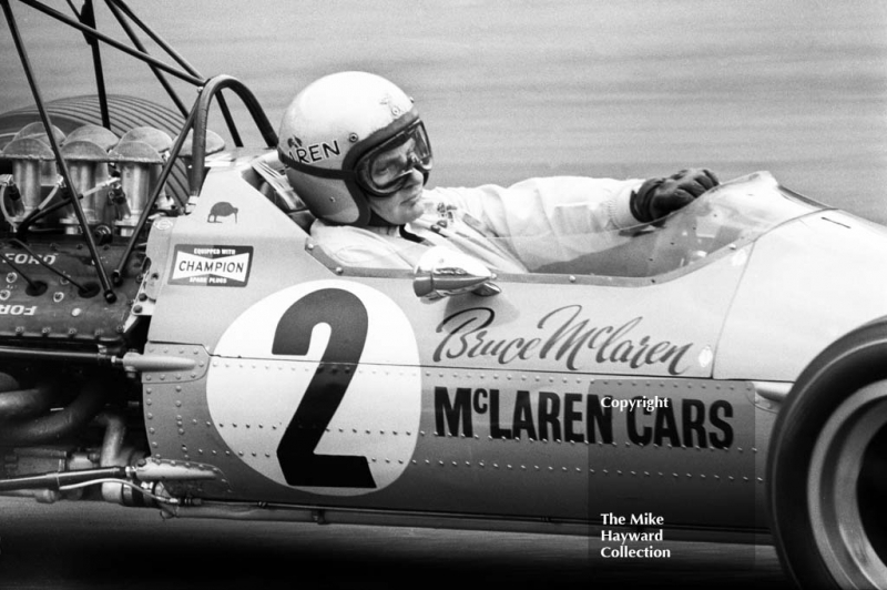 Bruce McLaren, McLaren Ford V8 M7A, Druids Hairpin, Brands Hatch, 1968 British Grand Prix.