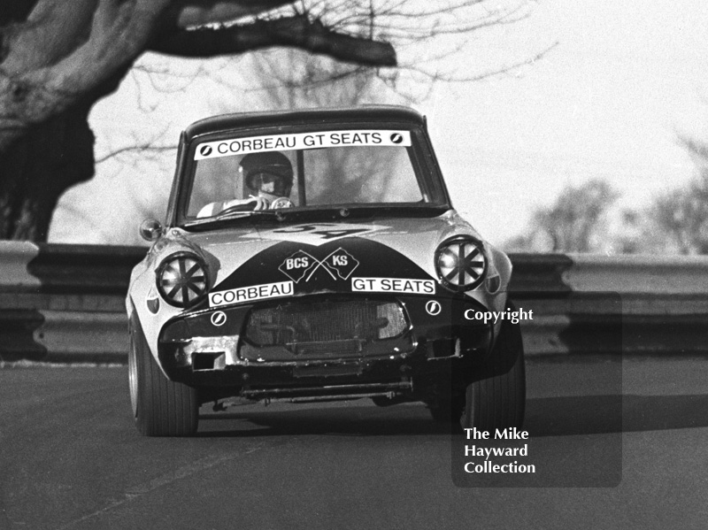 Mike Chittenden, BCS/KS Racing Team Ford Anglia, Forward Trust Special Saloon Car Race, Mallory Park, 1972.