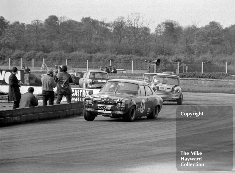 Frank Gardner, Alan Mann Ford Escort (XOO 349F), Steve Neal, Britax Mini Cooper Downton, Les Nash, Ford Anglia, Silverstone, 1969 Martini Trophy meeting.