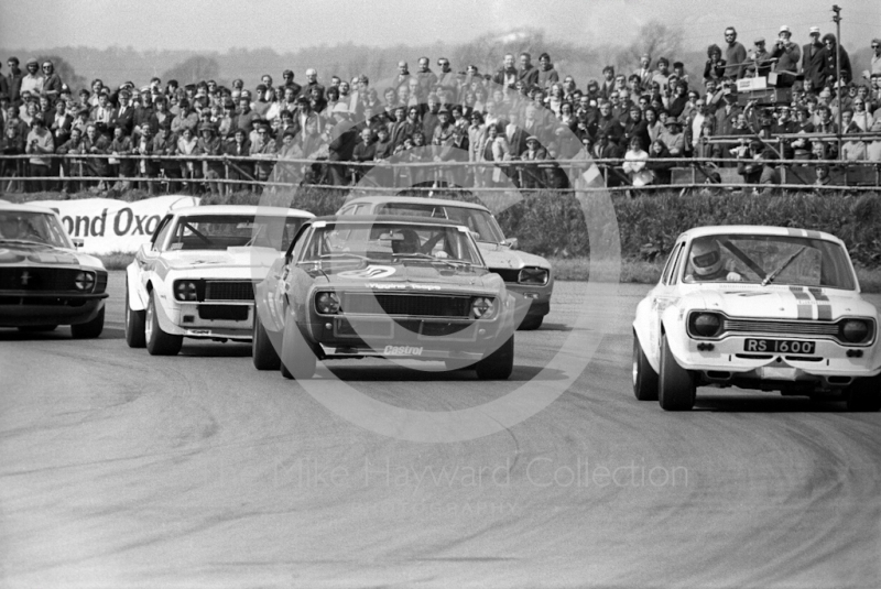 John Fitzpatrick, Broadspeed Ford Escort (RS1600), and Brian Muir, Wiggins Teape Chevrolet Camaro, GKN Transmissions Trophy, International Trophy meeting, Silverstone, 1971.