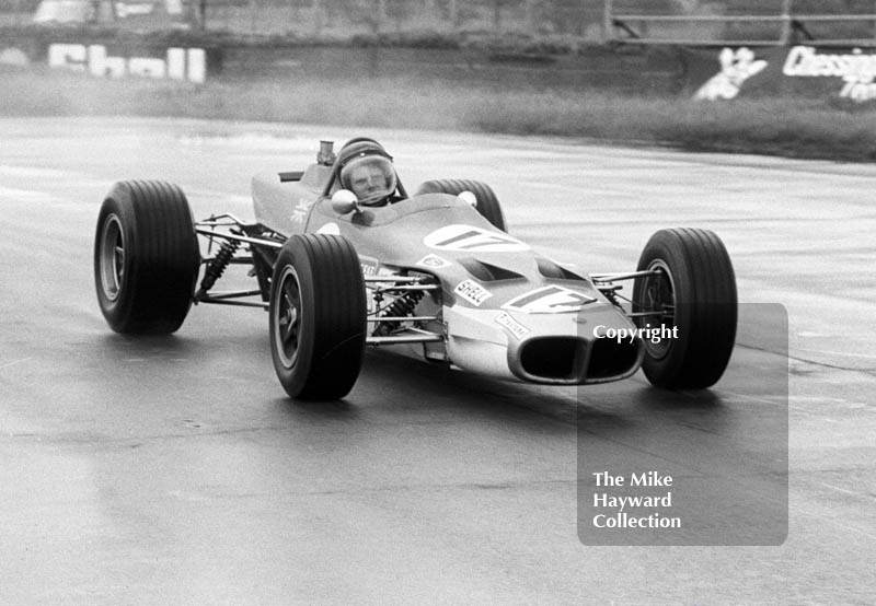 Roy Pike, Gold Leaf Team Lotus 59, F3 race, Martini International meeting, Silverstone 1969.