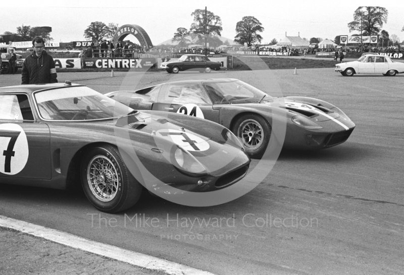 Paul Hawkins, Epstein Enterprises Ferrari, and Eric Liddell, J Cuthbert Ford GT40, Silverstone International Trophy meeting 1966.