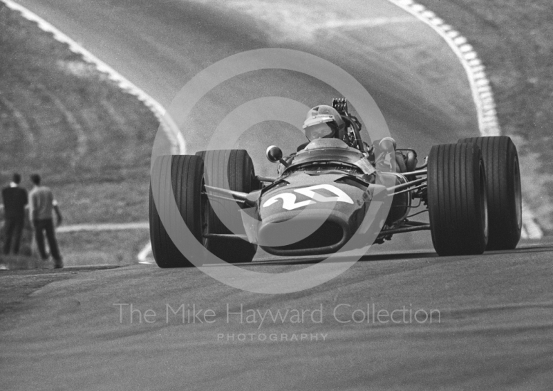 Piers Courage, BRM V12 P126, at Druids Hairpin, Brands Hatch, 1968 British Grand Prix.