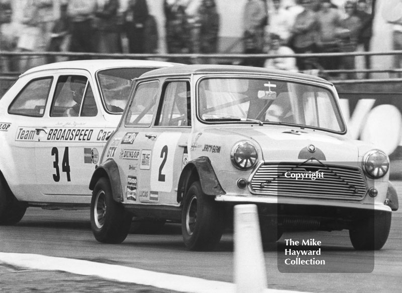 Jeremy Bean, BMC Mini Cooper, John Fitzpatrick, Ford Escort RS 1600, Morlands Trophy, 1971 BSCC, Silverstone.