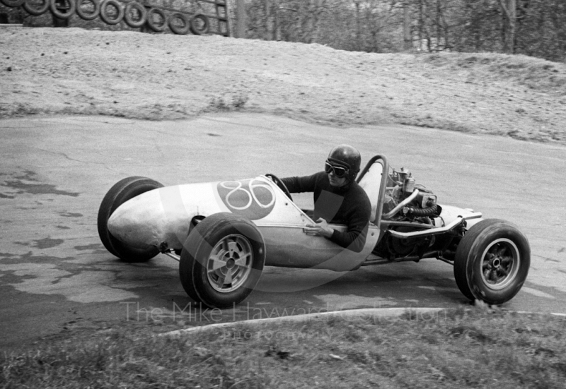 Single-seater at Pardon Hairpin, Newton Oil Trophy Meeting, Prescott Hill Climb, September 1967.