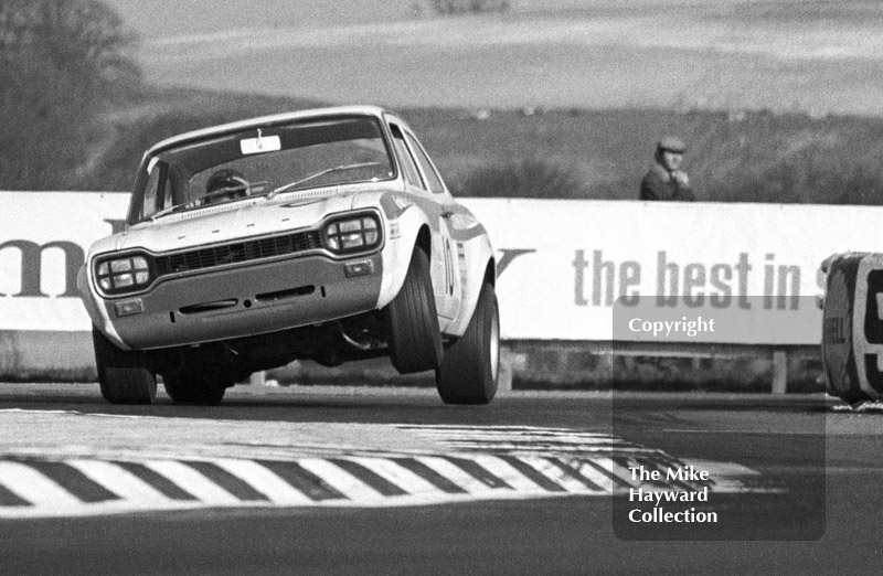 Mike Crabtree, Willment Ford Escort Twin Cam, Thruxton Easter Monday meeting 1969.