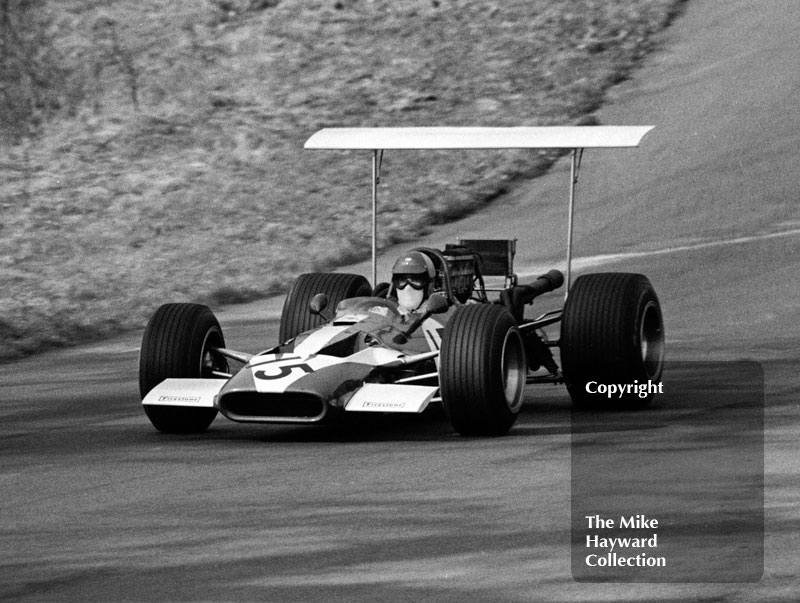 David Hobbs, TS Research and Development Surtees TS5/003 Chevrolet V8 - fastest in practice, 2nd in race - at Deer Leap, F5000 Guards Trophy, Oulton Park, April 1969.