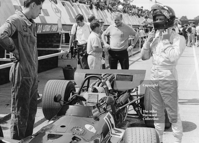Jack Oliver in the pits, BRM P133, Silverstone, 1969 British Grand Prix.