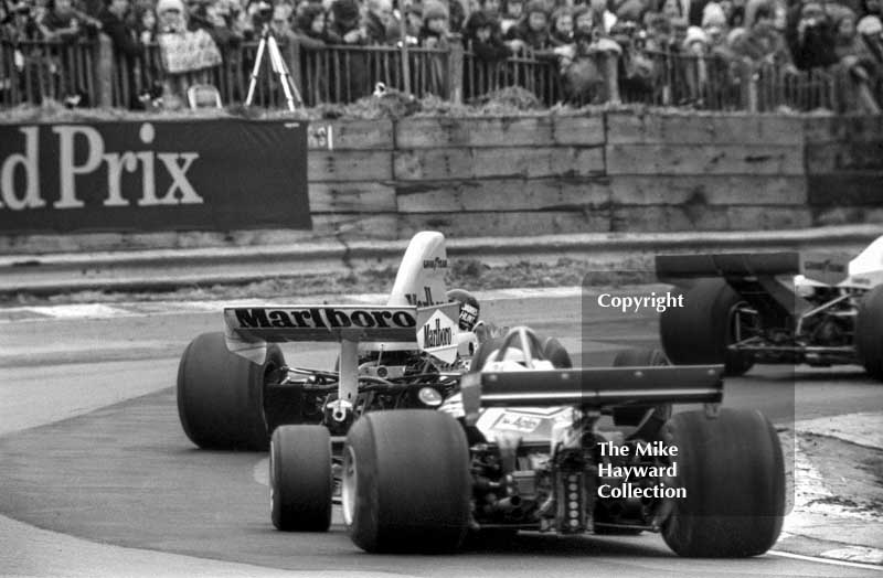 Race winner James Hunt, Marlboro McLaren M23, at Druids Hairpin, Race of Champions, Brands Hatch, 1976.