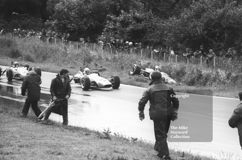 Peter Gaydon, SMRT Titan MK 3 Ford, goes off under braking for the hairpin, Heat 2, Mallory Park, Guards International Trophy, 1968. Also seen is Tim Schenken, Chevron B9.