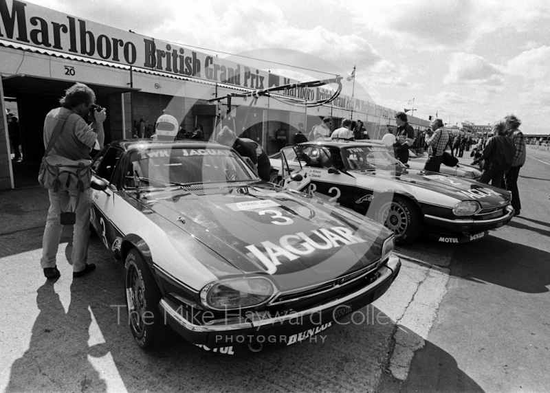 Win Percy/Chuck Nicholson and Enzo Calderari/David Sears Jaguar XJS HEs in the pits, Istel Tourist Trophy, European Touring Car Championship, Silverstone, 1984