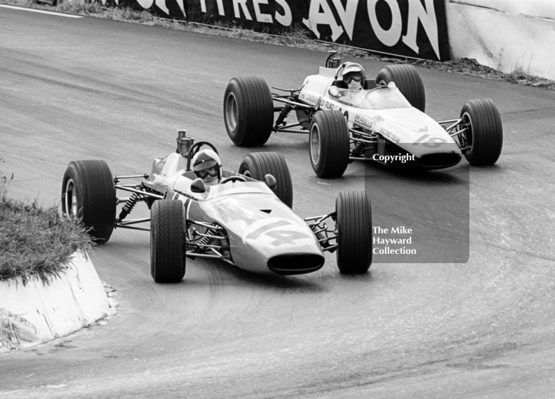 Philippe Vidal, Goodwin Racing Brabham BT21, and Ian Ashley, Chequered Flag/Scalextric McLaren M4A, Mallory Park, F3 Guards International Trophy, BRSCC 4000 Guineas meeting, 1968.