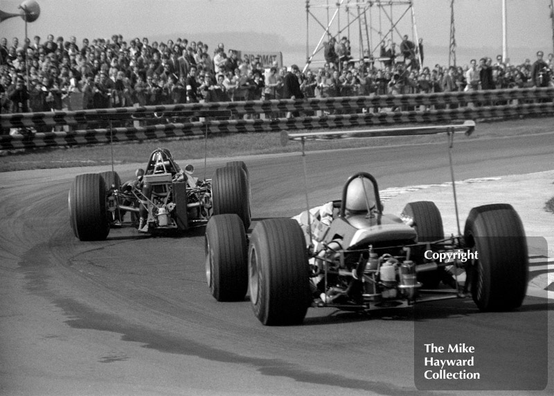 Graham Hill, Lotus 59B, leads out of the chicane, Thruxton, 1969 Wills Trophy.
