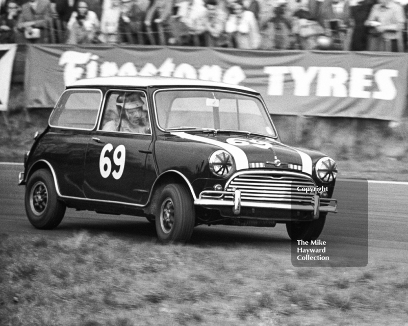 John Rhodes, Mini Cooper S, Old Hall Corner, Oulton Park Spring Race Meeting, 1965