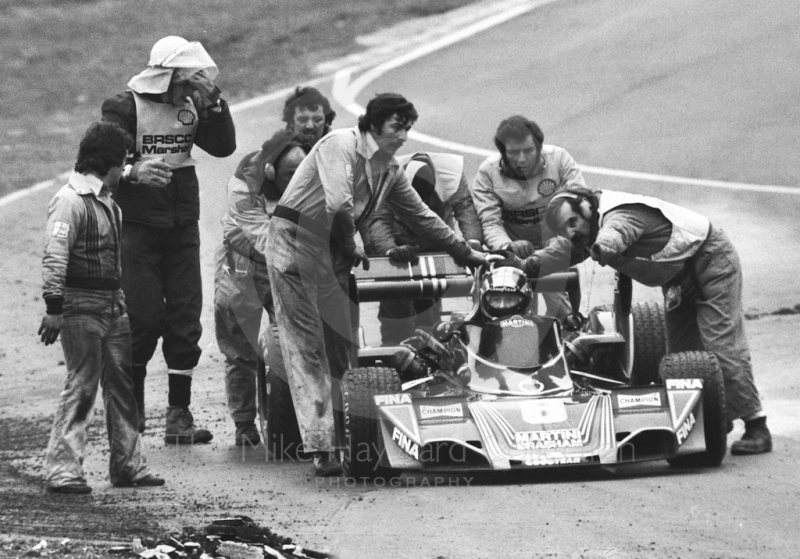 Carlos Pace, Martini Brabham Alfa Romeo BT45, retires from the race on lap eight with a fuel pump problem, Brands Hatch, Race of Champions, 1976.
