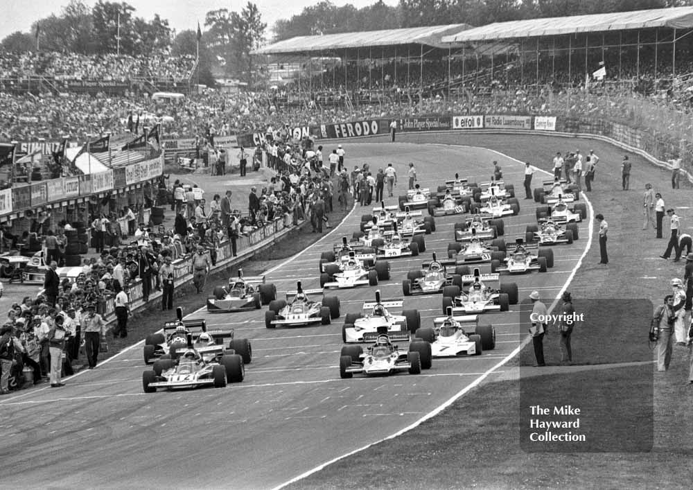 Cars line up on the grid, Brands Hatch, British Grand Prix 1974.