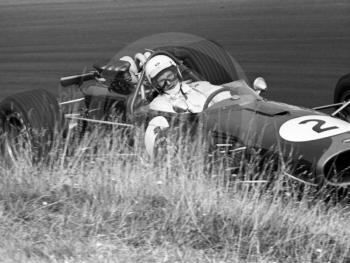 Frank Gardner, Repco Brabham, Esso Bend, Oulton Park Gold Cup 1967.