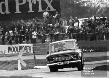Tony Stubbs Satra Motors Racing Lada 1200, Britax Production Saloon Car Race, European F2 Championship meeting, Silverstone, 1975.