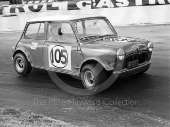 Edward Walley, Mini Cooper S, Hepolite Glacier Saloon Race, Mallory Park, 1971