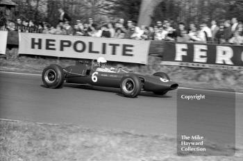 Brian Hart, Lotus 35-F-3, before retiring with suspension trouble, 1965 Spring Trophy, Oulton Park.
