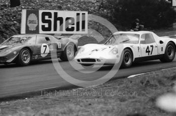 David Prophet/Richard Bond, Ford GT40, before retiring with engine trouble, and the Digby Martland/Brian Classick Chevron B8 BMW, second in the 2 litre Prototype category, BOAC 500, Brands Hatch, 1968
