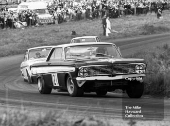 Roy Pierpoint, Ford Falcon, leads the Lotus Cortinas of Jacky Ickx, and Graham Hill, on the way to 4th place in class, Oulton Park Gold Cup meeting, 1967.