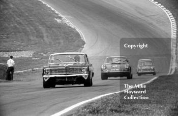 Roy Pierpoint, Ford Falcon, leads Vic Elford, Porsche 911 (reg no GVB 911D), up Pilgrim's Rise, British Touring Car Championship Race, Guards International meeting, Brands Hatch 1967.