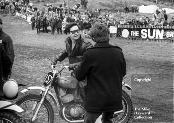 American singer Roy Orbison on the CZ of Dave Bickers, 1966 ACU Championship meeting, Hawkstone.