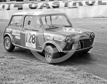 Bob Jones, D J Bond Racing Mini, Hepolite Glacier Saloon Race, Mallory Park, 1971