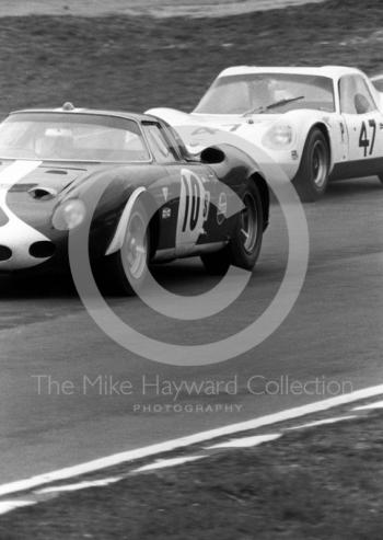 Paul Vestey/Roy Pike, Ferrari 250LM, and Digby Martland/Brian Classick, Chevron B8 BMW, BOAC 500, Brands Hatch, 1968