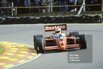 Alan Jones, Beatrice Lola THL1, at Druids Bend, Brands Hatch, 1985 European Grand Prix.