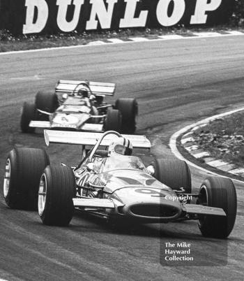 Denny Hulme, McLaren M14D/1 leads Clay Regazzoni, Ferrari 312B 003, British Grand Prix, Brands Hatch, 1970