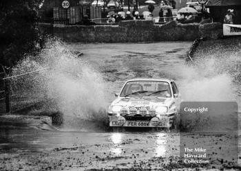 Terry Kaby/Michael Nicholson (FER 688W), Vauxhall Chevette, water splash, Sutton Park, RAC Rally 1982