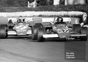 Brett Lunger, Peter Bloore Racing March 722-11, and Niki Lauda, STP March 722-5, Mallory Park, Formula 2, 1972.