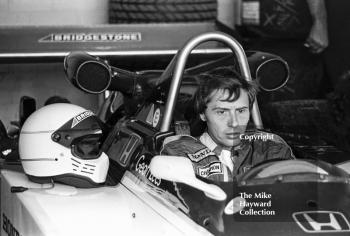 Geoff Lees, Ralt RH6/81, in the pits, John Howitt F2 Trophy, Donington, 1981