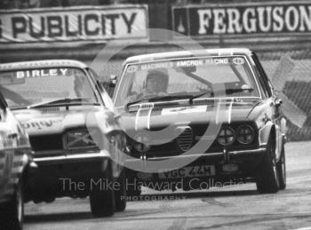 Jon Dooley, Alfa Romeo Alfetta, Britax Production Saloon Car Race, European F2 Championship meeting, Silverstone 1975.