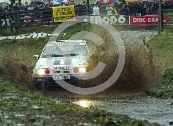 Miki Biasion/Tiziano Siviero, Ford Sierra RS Cosworth 4x4 (A2 FMC), water splash, 1992 RAC Rally, Weston Park