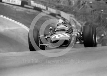 Piers Courage, BRM P126 V12, at Druids Hairpin, British Grand Prix, Brands Hatch, 1968.